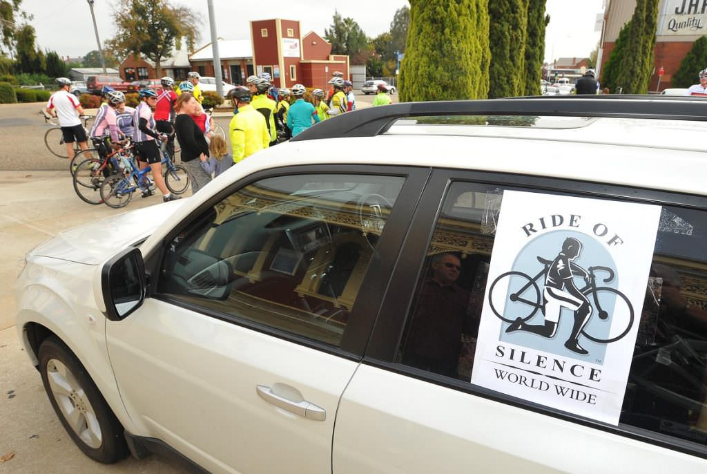 Car with Ride of Silence sign