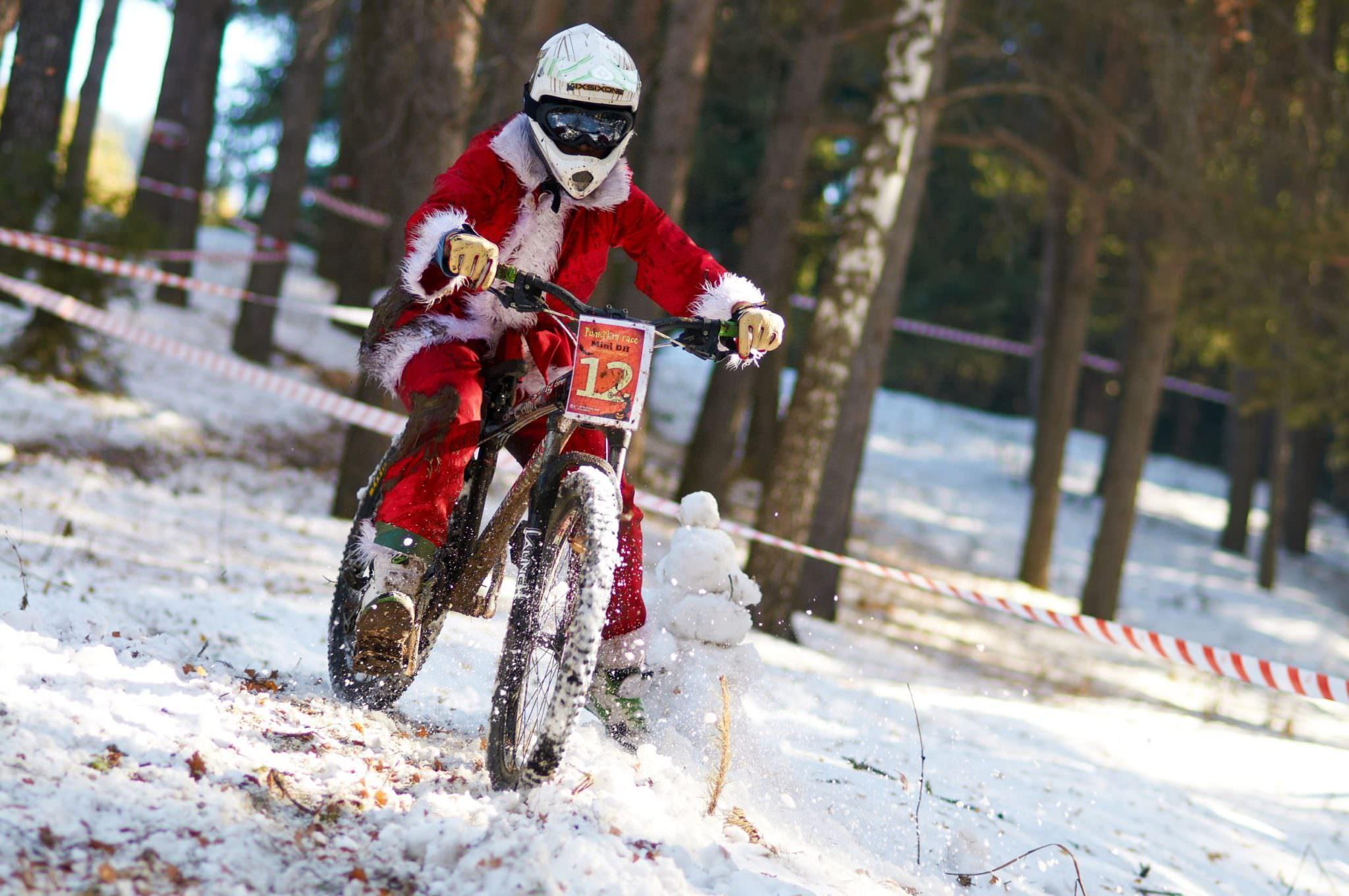Extreme ice biking