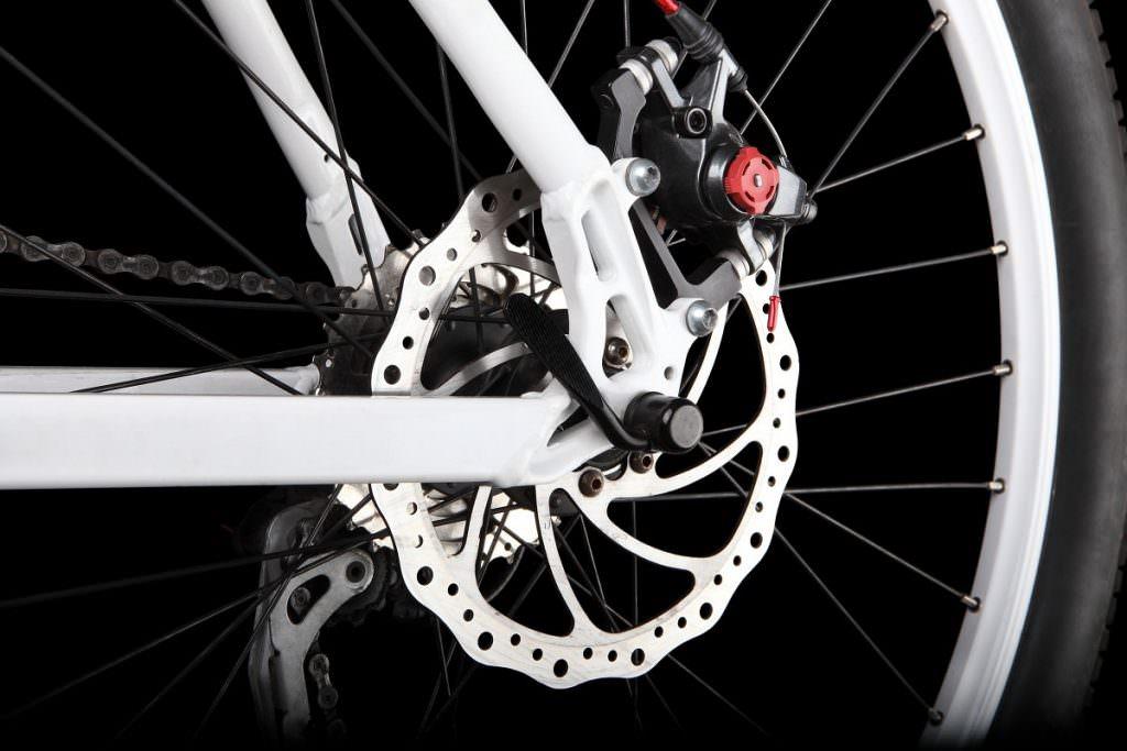 Hybrid bike with disc brakes