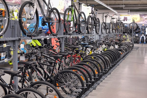 How To Pick the Best Hybrid Bicycle for Both Men and Women