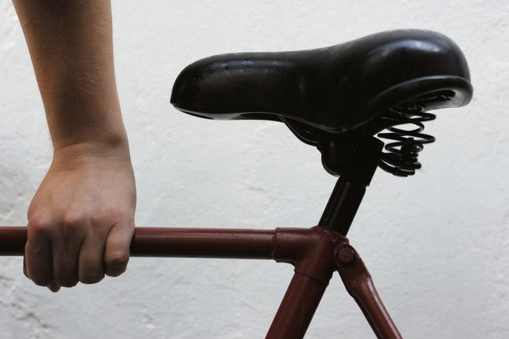Suspension saddle