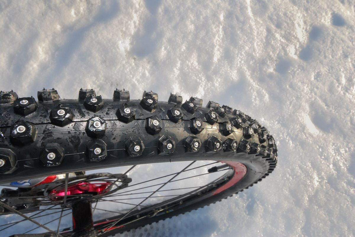 Studded bike tire