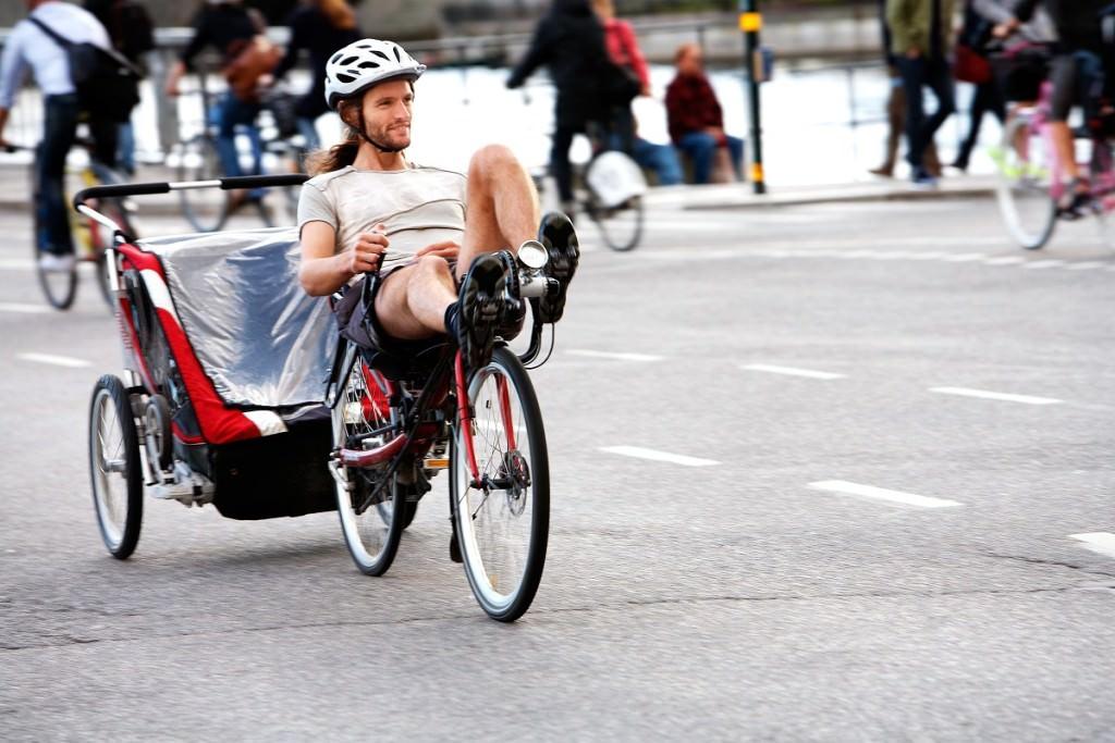 Recumbent with trailer & 10 Reasons A Recumbent Road Bike is the Best Choice islam-shia.org