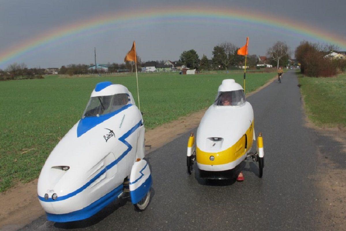 Two Leitra velomobiles