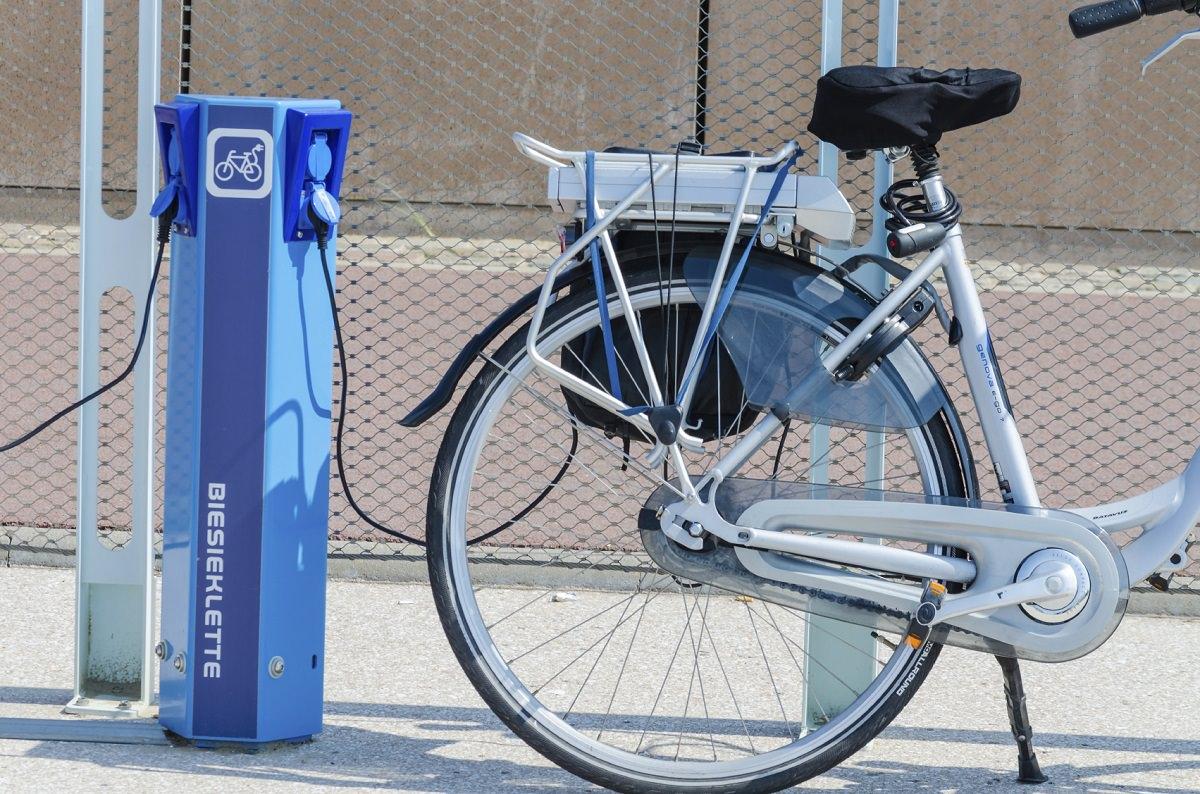 Recharging an electric bike