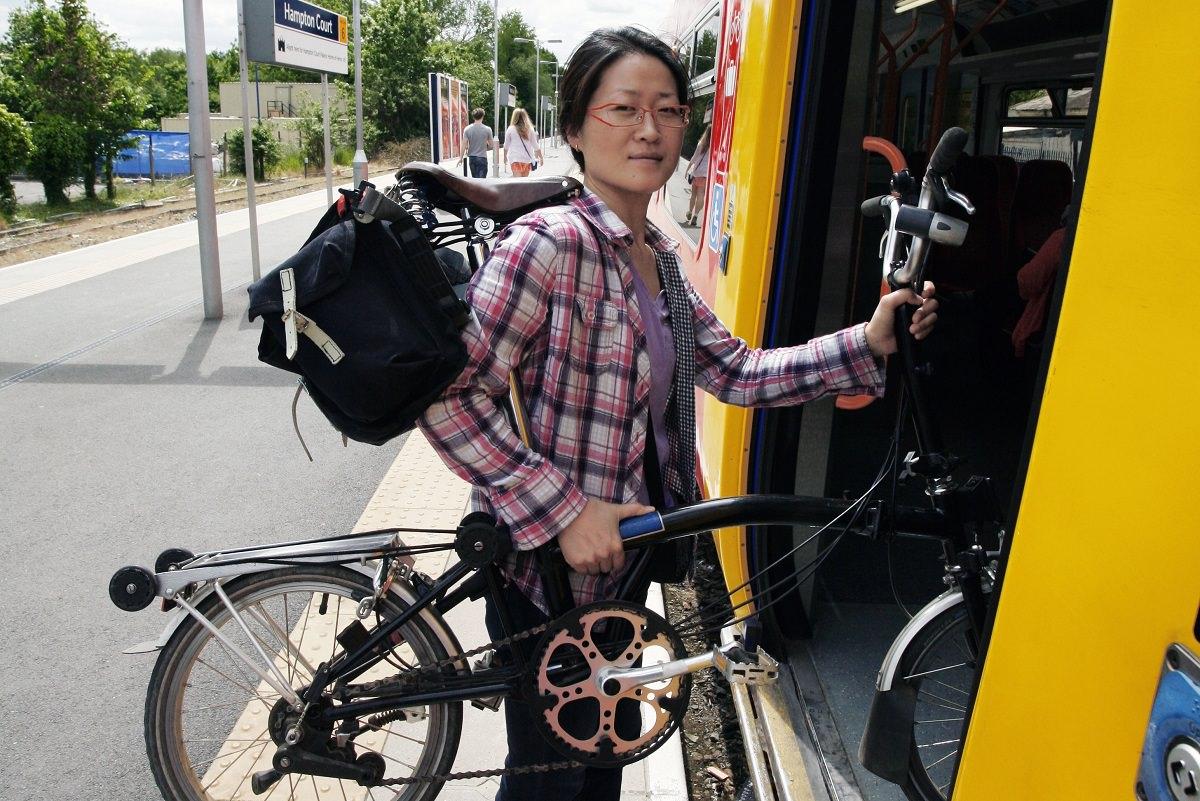Carrying a folding bike into a train