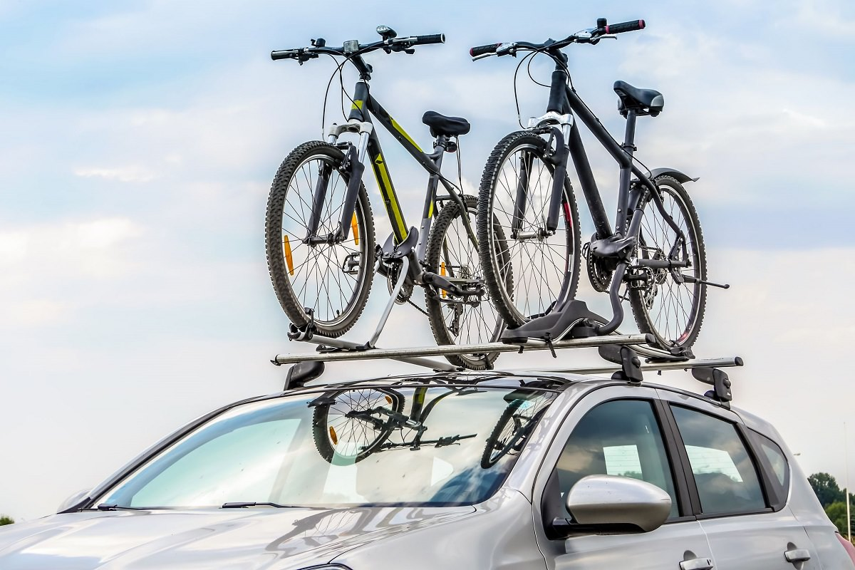 Car with two mountain bikes