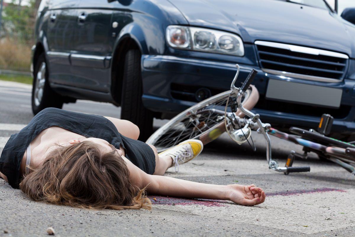 Unconscious cyclist after traffic crash