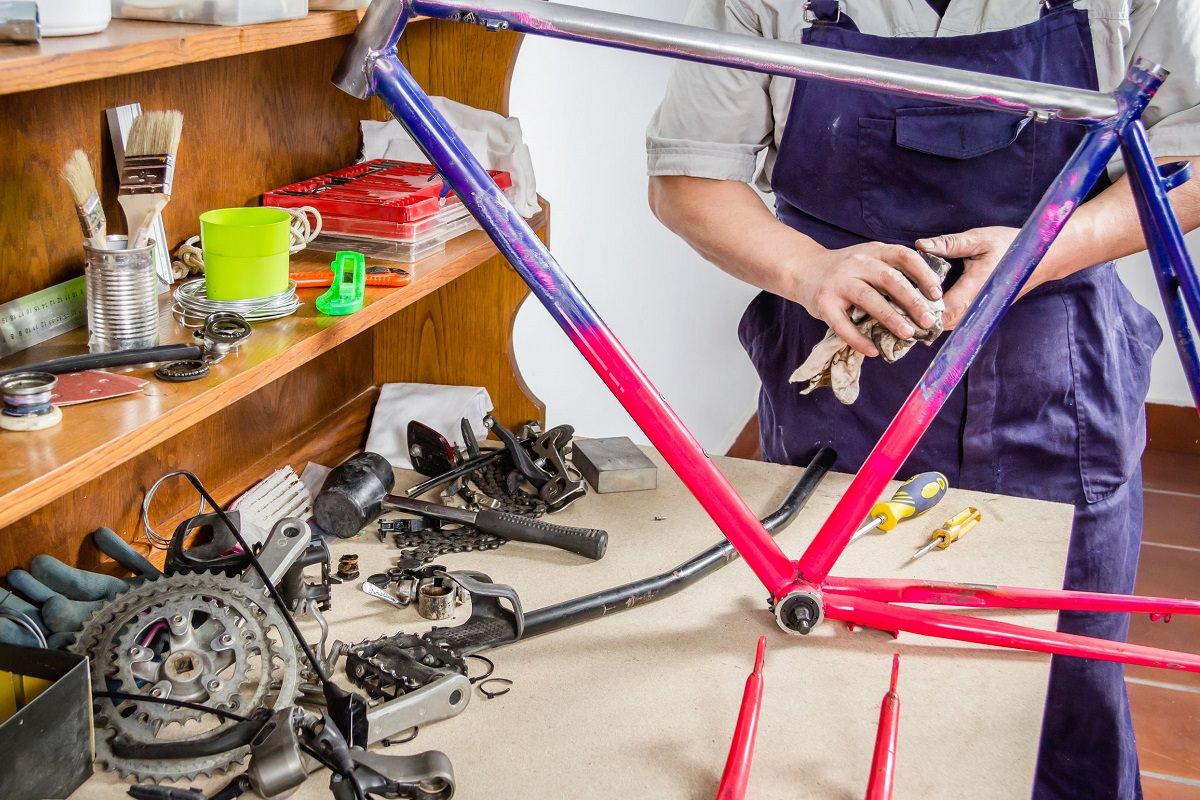 Custom frame builder working