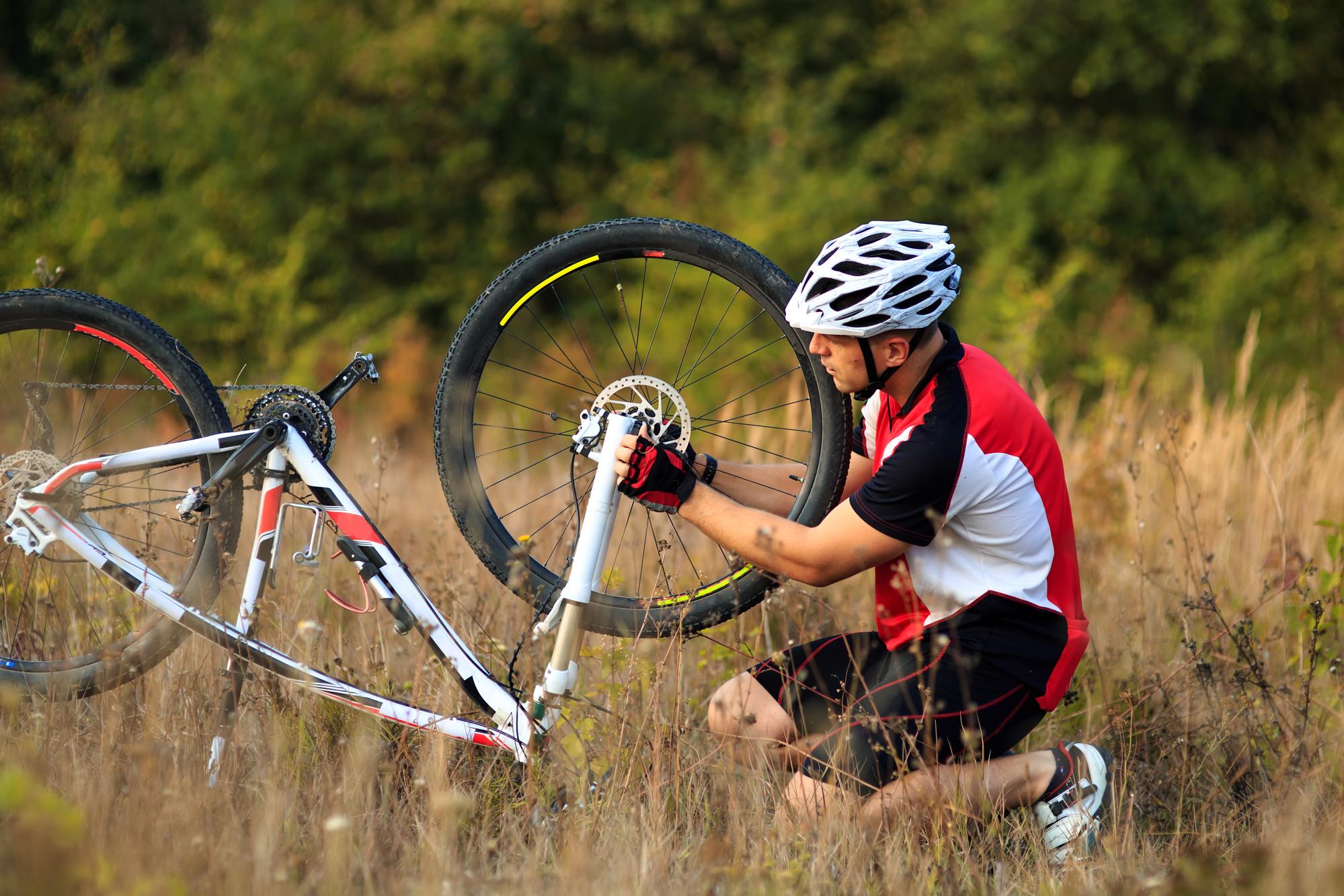 repairing road bike wheels