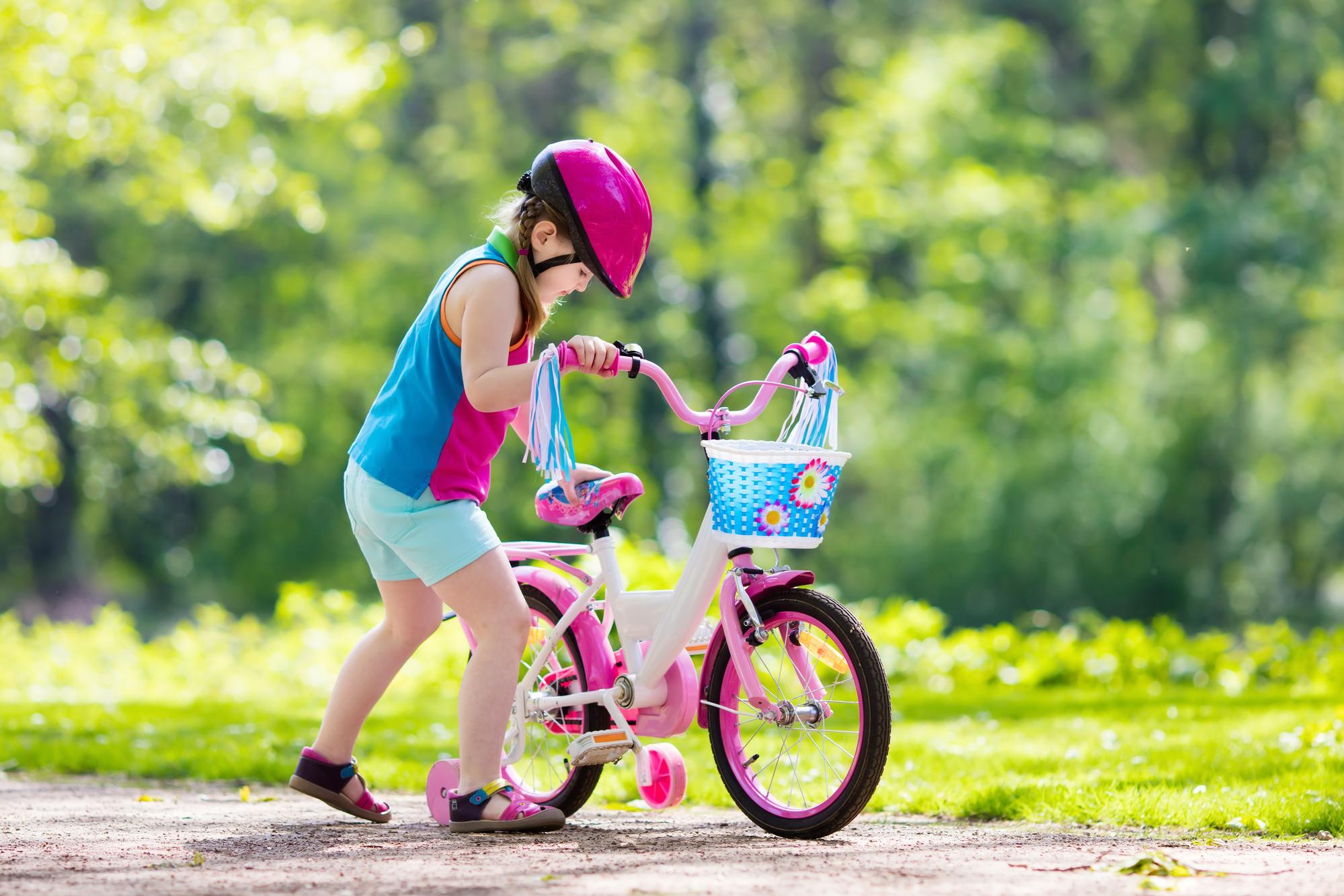 Child riding bike - correct size