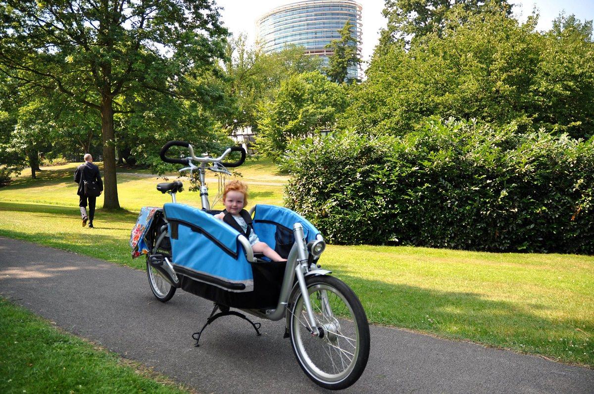 Cargo bike with small child