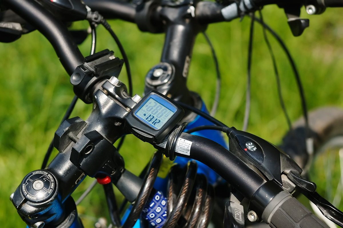 do you need a bicycle odometer? 9 questions to help you decide
