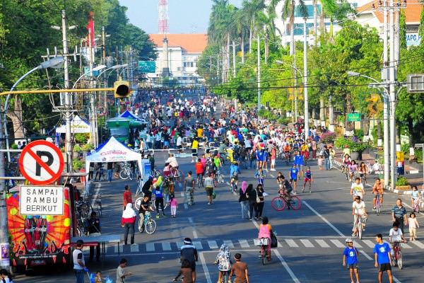 10 Reasons Why Cities Should Consider Going Car-Free