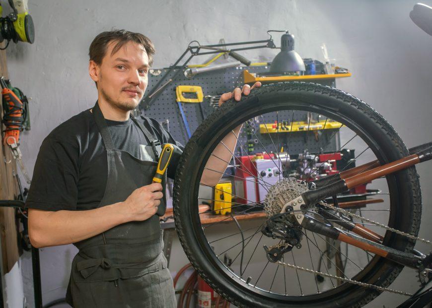 Repair Bike Wheel